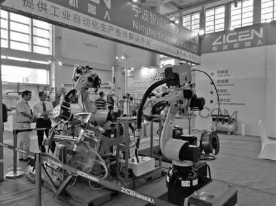 """宁波智能装备业强势崛起 工业机器人有了""""3D眼睛"""""""