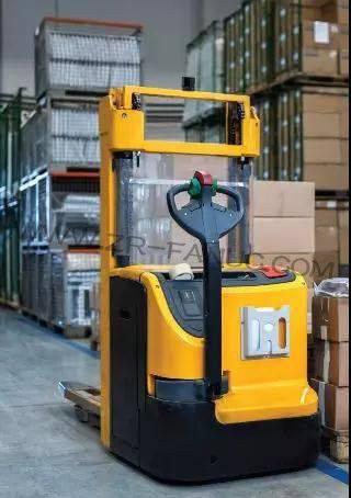 中国叉车AGV机器人市场主要企业与市场容量分析