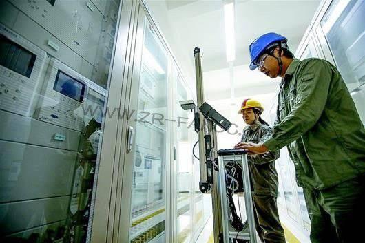 智能机器人保障变电站安全