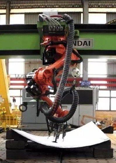 """现代重工用机器人打造""""智能船厂"""""""